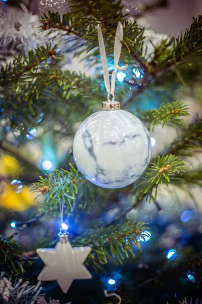 boules de Noel imitation marbre