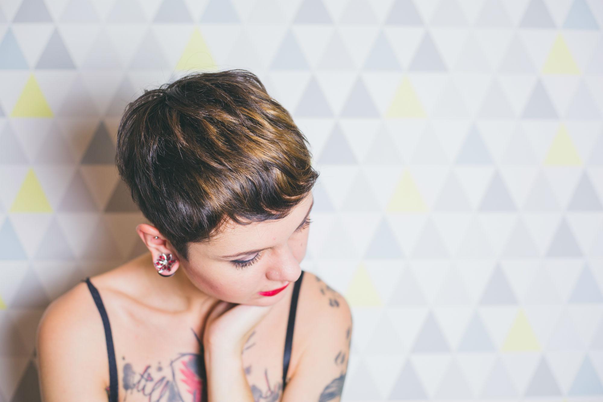 cheveux_courts_femme_visage_rond